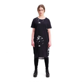 Vimma T-shirt dress   ONNI   Shaman big   black   onesize - black, Onesize, ONNI, Shaman big, t-shirt-dress